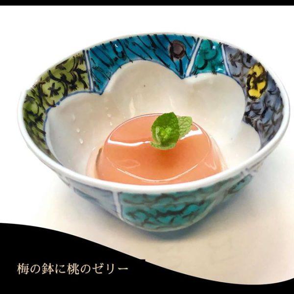梅紋鉢に色が入りました。